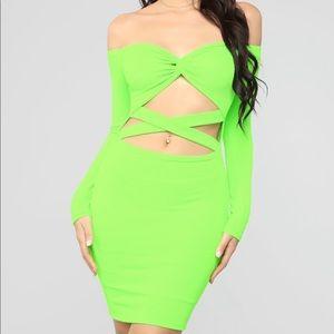 Shoulder mini dress neon green